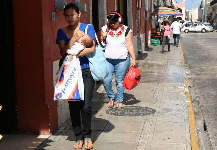 Los termómetros en Mérida registraron ayer una máxima de 34 grados centígrados, a las 15 horas, y una mínima, de 23.4 grados, a las 5 de la mañana. (Jorge Acosta/SIPSE)