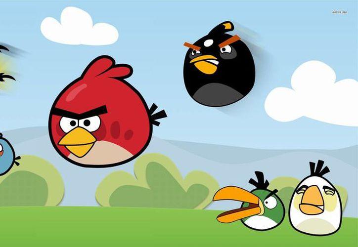 Según expertos, juegos sencillos que no requieren mucha concentración, como Angry Birds, contribuyen a la relajación del jugador. (Milenio Novedades)