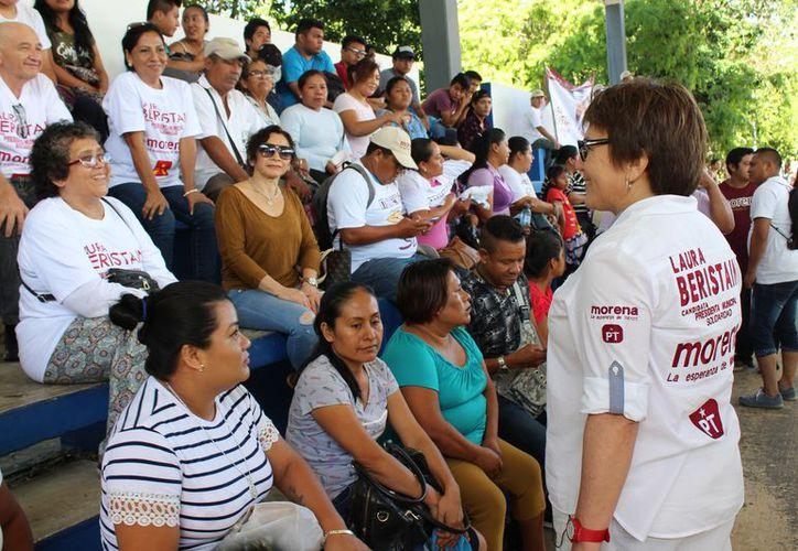 Los candidatos recorrieron diferentes puntos del municipio. (Adrián Barreto/SIPSE)