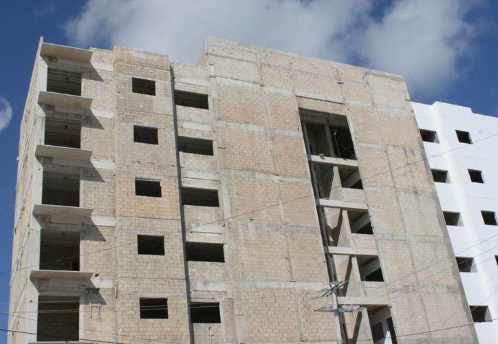 Por ser Cancún una zona de huracanes, se cuidaría que los desarrolladores estén conscientes de la problemática. (Tomás Álvarez/SIPSE)