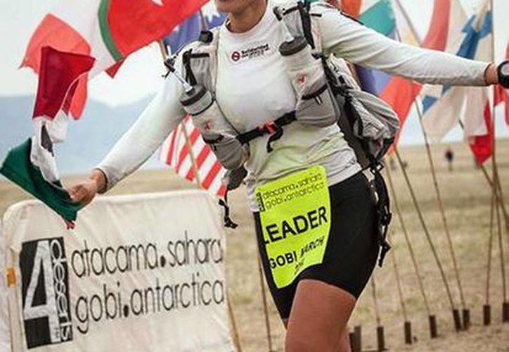 Isis Breiter es la actual campeona femenil del ultramaratón de Gobi, China. (Redacción/SIPSE)