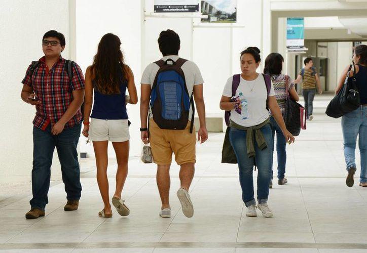 Benefician a estudiantes al no incrementar el costo de las colegiaturas. (Luis Soto/SIPSE)