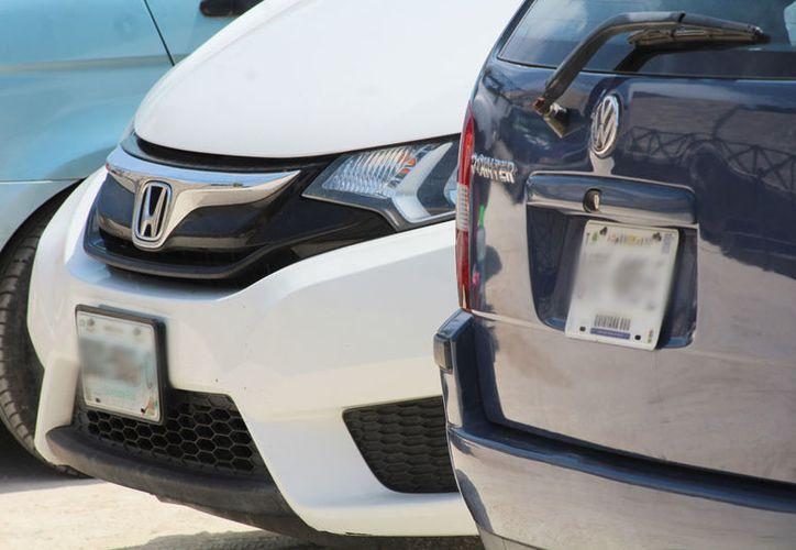 Ahora los dueños de los vehículos pagan aproximadamente 450 pesos. (Jesús Tijerina/SIPSE)
