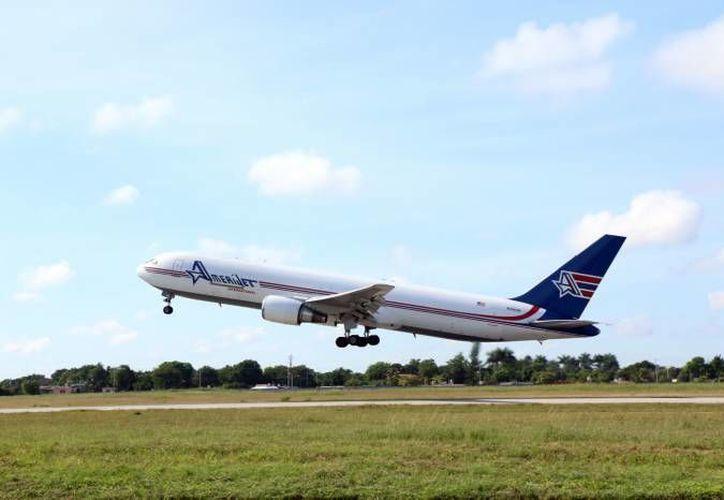 El administrador del Aeropuerto de Mérida anunció que los destinos Mérida-Milán, Mérida-Miami y Mérida-Dallas serán retomados en vacaciones. (SIPSE)