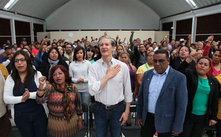 Luego de una polémica contienda, Alfredo del Mazo Maza, logró vencer a sus candidatos rivales, arrebatándoles la victoria. (Foto: Todo Texcoco).