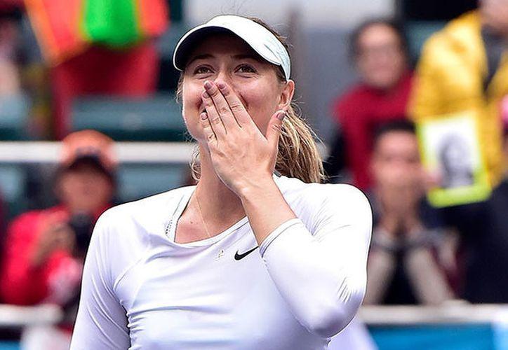 La tenista María Sharápova volvió al juego en abril pasado, después de cumplir una descalificación de 15 meses. (Foto: RT)