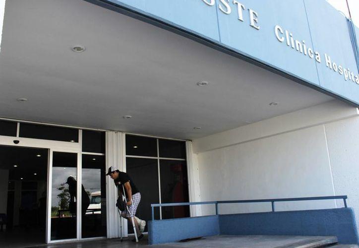 En el área de urgencias llegan a consulta de 40 a 50 personas. (Carlos Horta/ SIPSE)