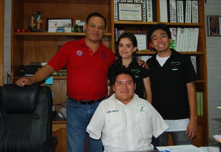 Daniel Patricio González Ku, Mariana Zorrilla Aguilar  y Henry Arenas Domínguez. (Tomás Álvarez/SIPSE)