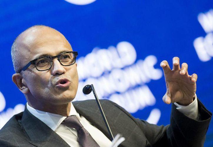 El consejero delegado de Microsoft, Satya Nadella se despidió de los ejecutivos 'agradeciendo sus sabios consejos estratégicos'. (EFE/Archivo)
