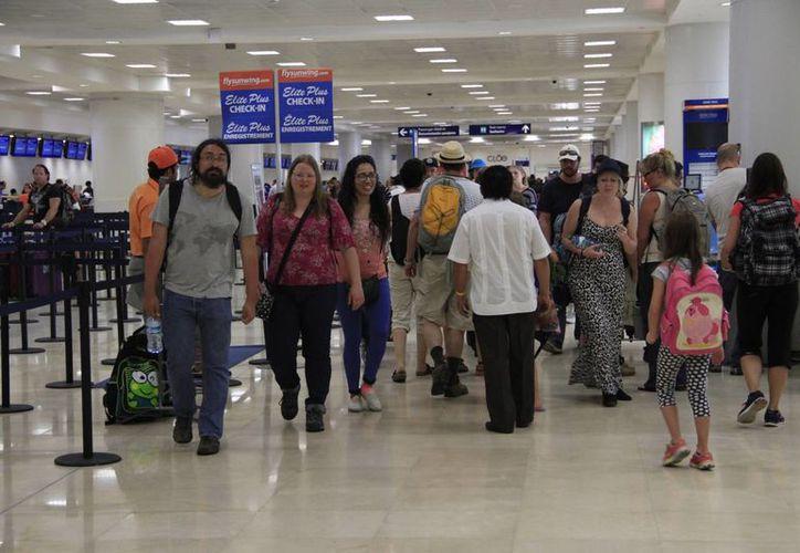 El mes pasado, Asur movilizó a dos millones 73 mil 146 pasajeros totales. (Tomás Álvarez/SIPSE)