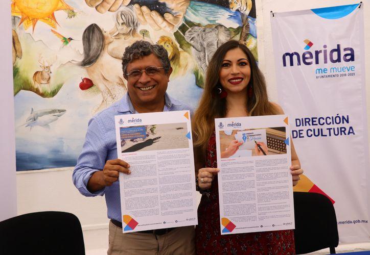 Irving Berlín Villafaña y Liliana Bolio Pinelo, durante el anuncio de las convocatorias. (Foto: Jorge Acosta/Novedades Yucatán)