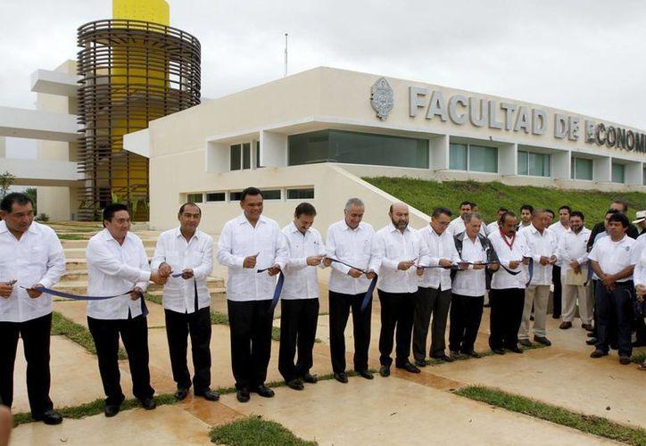 Inauguración de las nuevas instalaciones de la Facultad de Economía de la Uady. (SIPSE)