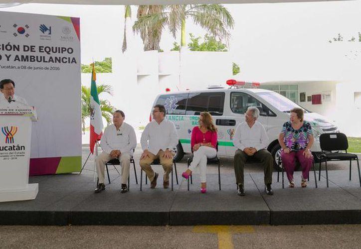 El Gobierno coreano donó equipo médico y una ambulancia al Hospital de la Amistad Corea-México, con lo cual se podrá brindar más y mejores servicios a más infantes. (Fotos cortesía del Gobierno de Yucatán)