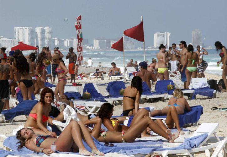 Indican que ha disminuido el número de arribo de los jóvenes turistas. (Israel Leal/SIPSE)