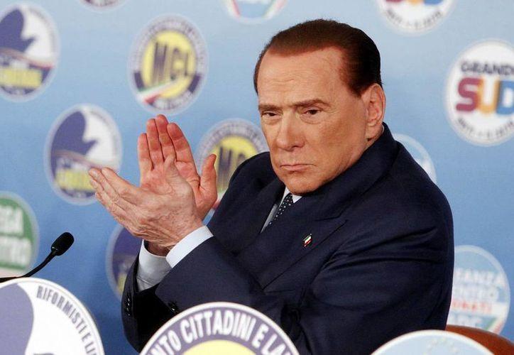 Piden condenar a Berlusconi por prostitución de menor y corrupción. (Archivo/EFE)