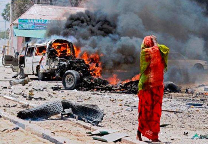Al menos dos decenas de personas murieron debido a una mina terrestre que detonó. (La Tribuna).