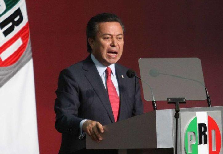 """César Camacho Quiroz, presidente nacional del PRI, advirtió que la militancia política a un partido no puede ser """"patente de corso"""" para que hacer algo contra la ley. (Archivo Notimex)"""