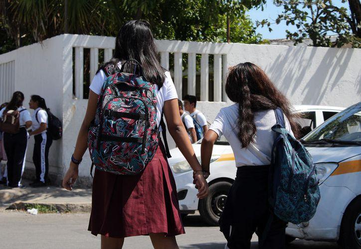 El seguro escolar brinda a los alumnos de educación básica una cobertura de salud en diferentes clínicas privadas. (Joel Zamora/SIPSE)