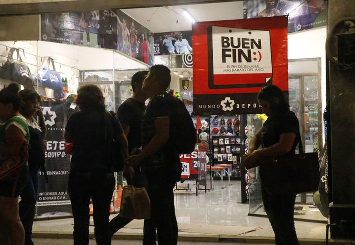 Las autoridades brindarán asesoría legal a los empleados. (José Acosta/Novedades Yucatán)