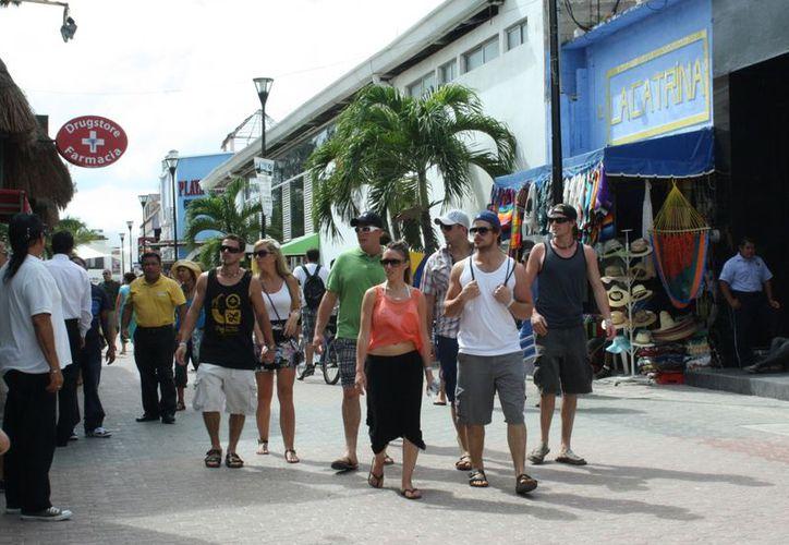 Los turistas pagan derecho de saneamiento a los centros de hospedaje. (Adrián Barreto/SIPSE)