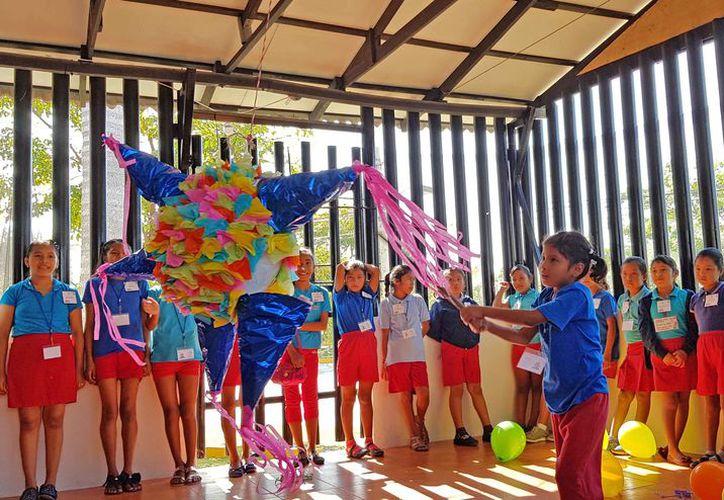 Los menores estuvieron muy felices durante el festejo. (Jesús Tijerina/SIPSE)