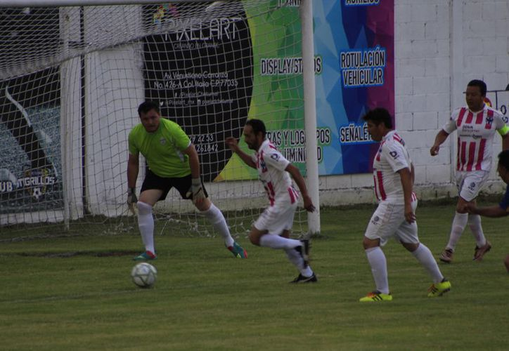 """Huay-Pix se pone a la cabeza del grupo """"D"""" con dos untos, seguidos por el Deportivo Othón que se encuentra con un punto. (Miguel Maldonado/SIPSE)"""