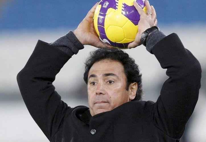 Luego que Hugo Sánchez se 'autodescartara' de dirigir a las Chivas, el dueño del equipo le respondió que no se preocupe, porque nunca lo hará. (Archivo Notimex)