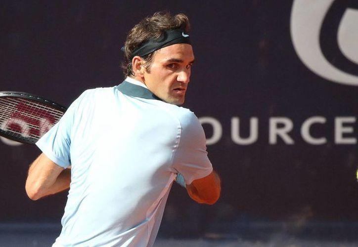 Federer logró una marca del 59% en efectividad en su servicio. (Agencias)