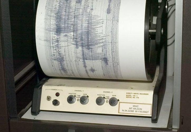 La USGS informó que pocos minutos después del fuerte temblor hubo una réplica de 5.4 grados en la escala de Richter. (Archivo/EFE)