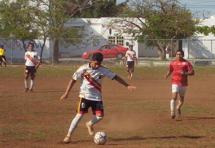 CJR Villa Palmira venció por golia de 4-1 a Club Pustunich. (Félix Zapata/SIPSE)