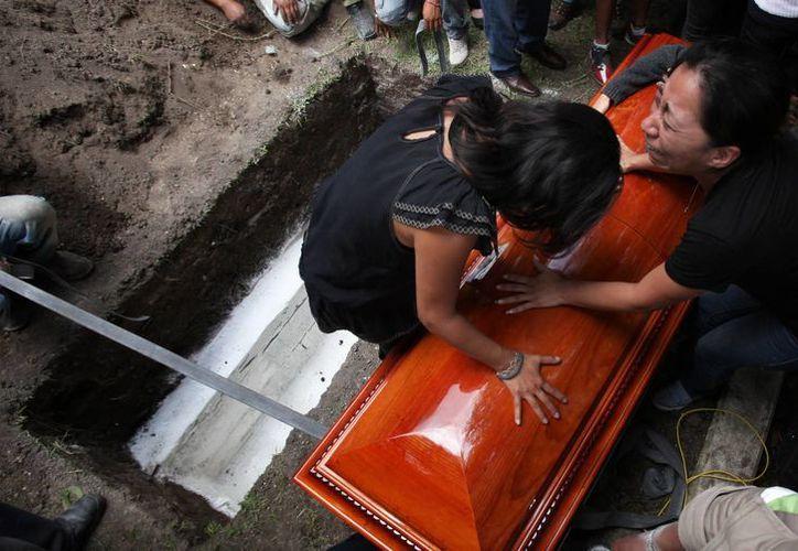 La familia de Rubén Espinosa no dio más declaraciones sobre el homicidio. Mancera prometió que no habrá impunidad en el caso. (AP)