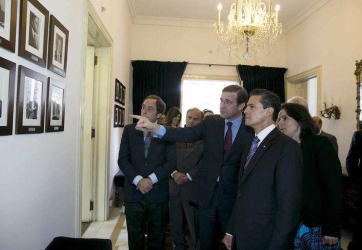 Peña Nieto durante su visita con autoridades de Portugal. (presidencia.gob.mx)