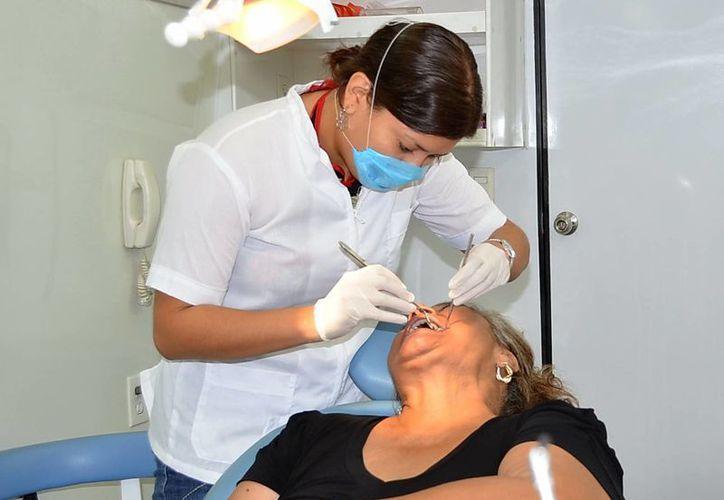 Es importante visitar al dentista cada seis meses. (Milenio Novedades)