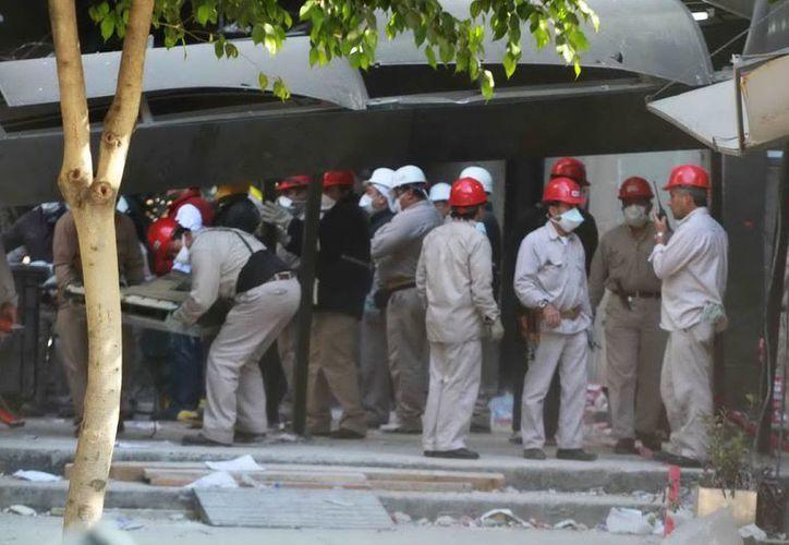 La dependencia lamentó profundamente el fallecimiento de sus trabajadores en el Centro Administrativo. (Notimex)