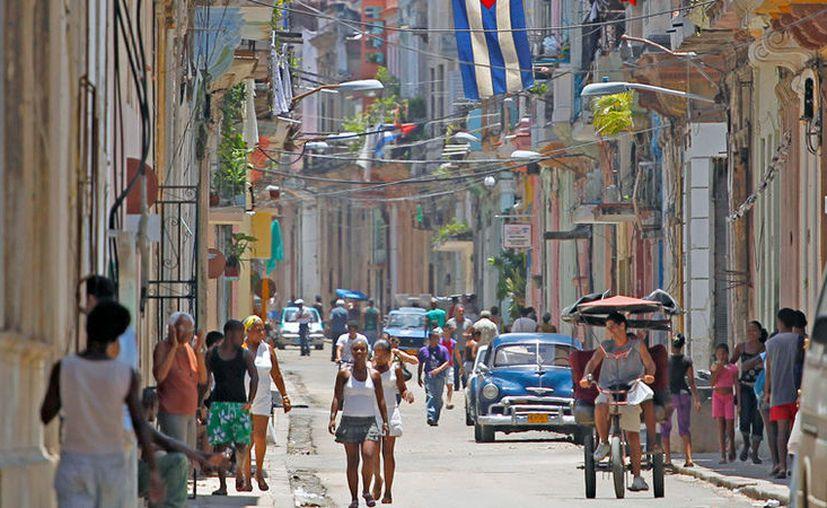 Cuba modificó su ley de vivienda para eliminar las prohibiciones a los propietarios de inmuebles y autorizar el arrendamiento de sus viviendas.(Reuters)