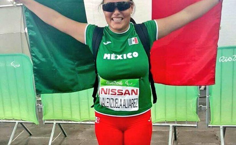 La atleta sonorense Rebeca Valenzuela subió al podio en lo que fue su primera prueba en esta justa deportiva, en busca de aumentar la cosecha el próximo sábado durante el lanzamiento de jabalina. (@CONADE)