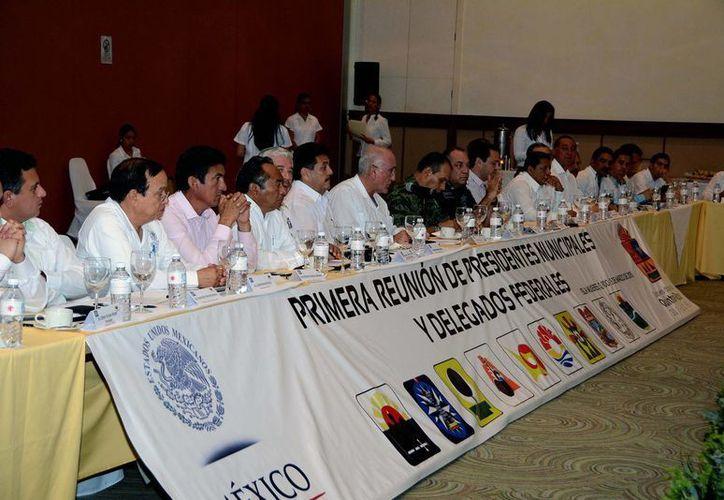 En Isla Mujeres se realizó la Primera Reunión de Trabajo del 2015. (Cortesía/SIPSE)
