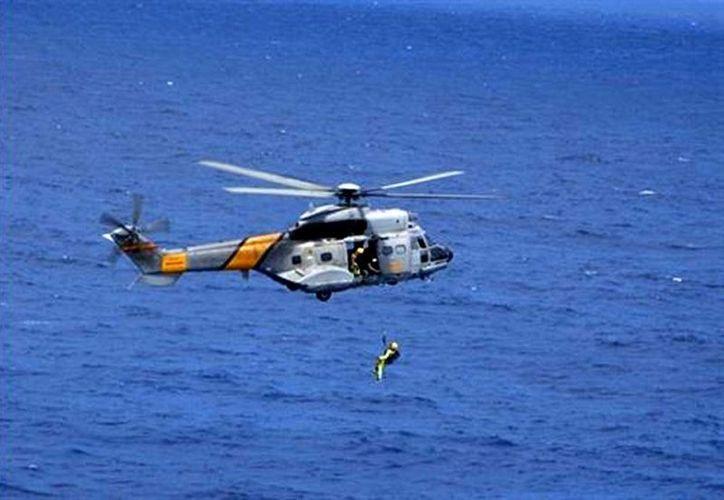 Fotografía de archivo del helicóptero Super Puma del servicio de búsqueda y salvamento del ejército español. Un helicóptero militar se desplomo en los mares del océano Atlántico. (Ministerio de defensa de España)