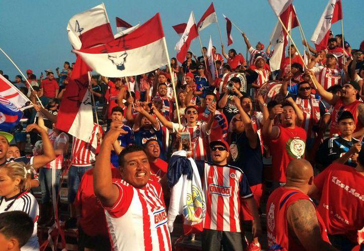 Los aficionados a Chivas del Guadalajara ya podrán contratar el primer partido contra Rayados de Monterrey  por 200 pesos. (Facebook ChivasTV)