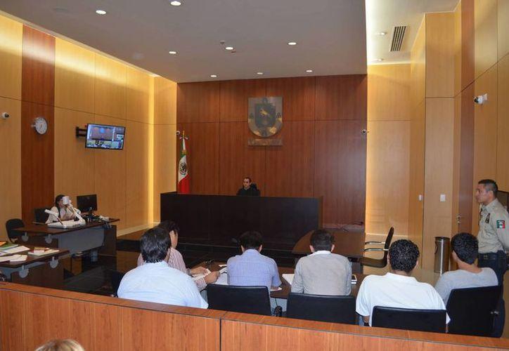 La audiencia comenzó en la tarde de este lunes y terminó cerca de las 22:30  horas. (Milenio Novedades)