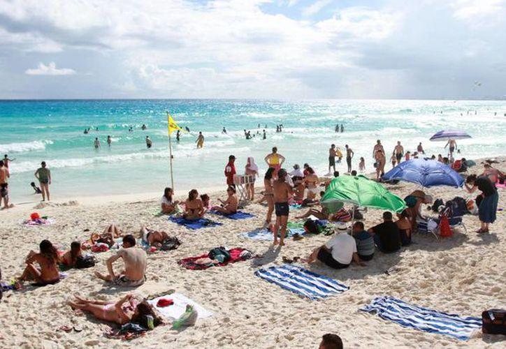 La afluencia turística en Cancún este año aumentó con respecto al 2014. (Redacción/SIPSE)