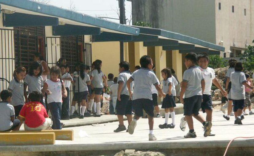 Evelyn Parra Sánchez, directora del instituto en Benito Juárez, señaló que en los salones se detectan alrededor de cinco alumnos implicados en casos de bullying. (Fernanda Duque/SIPSE)