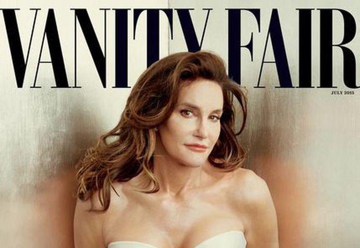 Bruce Jenner, padrastro de Kim Kardashian, se convierte en mujer y aparece públicamente en la portada de Vanity Fair; 'llámenme Caitlyn', pide al mundo. (AP)