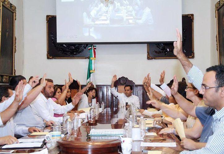 El Cabildo meridano abordó ayer diversos puntos, entre otros del presupuesto del Carnaval. (Milenio Novedades)