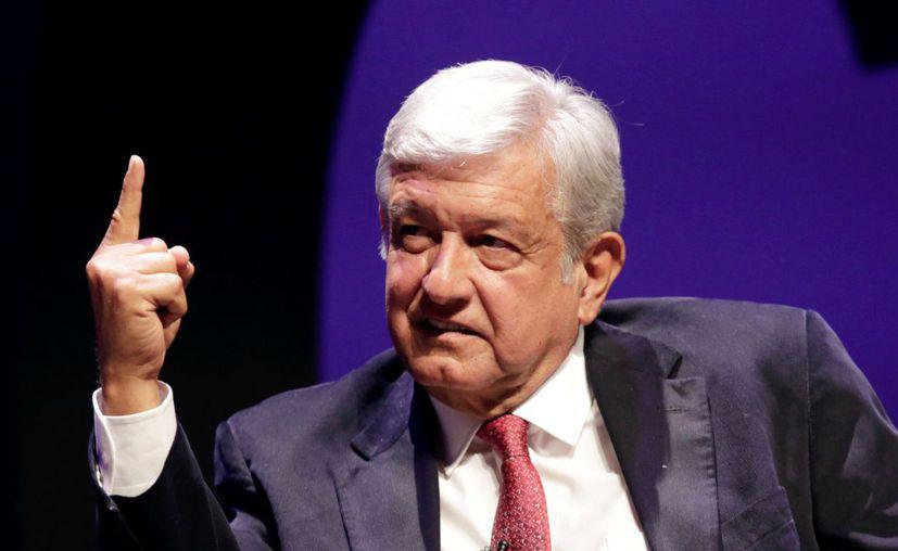 Andrés Manuel destaca en las encuestas como favorito para presidente (Foto: Reuters)