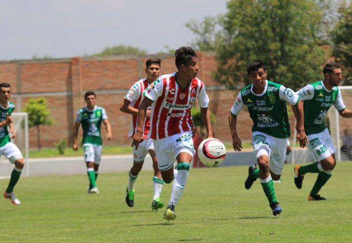 Club Rayos de Necaxa buscan futbolistas para Sub-13 y Sub-15. (Foto: Raúl Caballero)