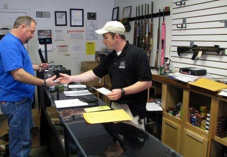 La compra de armas también ha aumentado.  (Agencias)