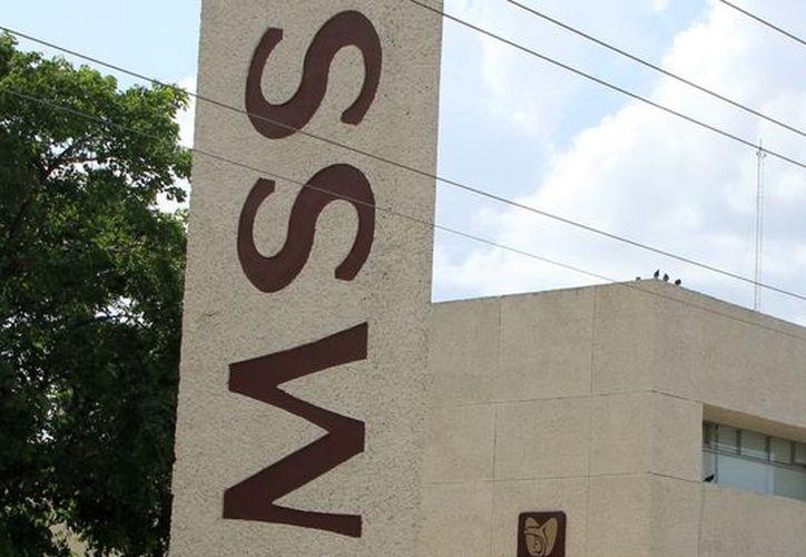 Dependiendo del caso el médico del IMSS expedirá un certificado de incapacidad temporal para el trabajo.  (SIPSE)