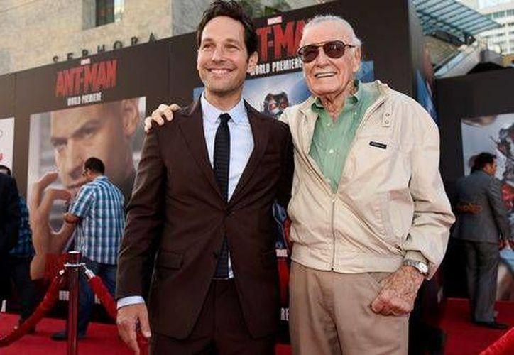 Paul Rudd fue acompañado por Stan Lee en el estreno de <i>Ant-Man</i>, uno de los personajes del creador de comics de Marvel. (Milenio Digital)