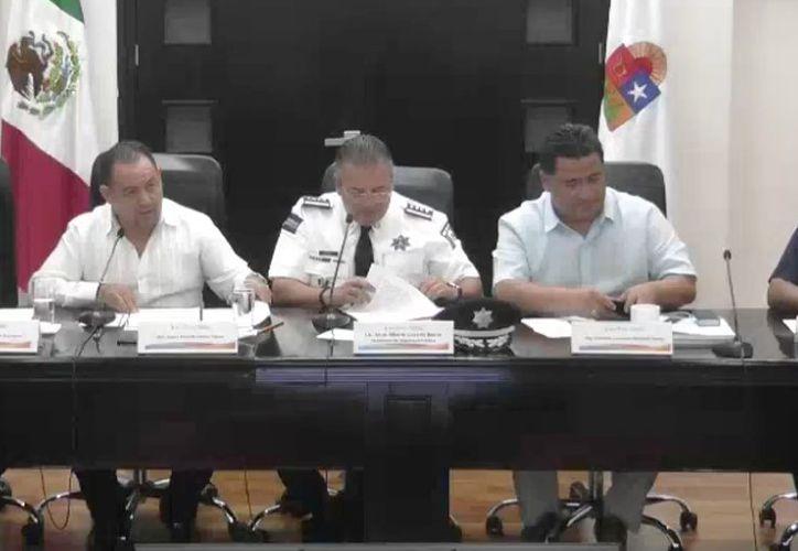 El titular de la Secretaría de Seguridad Pública de Quintana Roo, Alberto Capella Ibarra, durante su comparecencia ante la Comisión de Seguridad Pública y Protección Civil del Congreso del Estado. (Redacción/SIPSE)